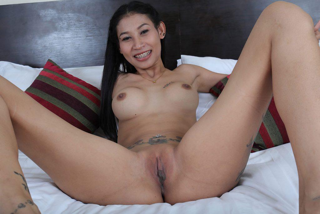 Tajska Dziewczyna Rozłożyła Nogi Cipki